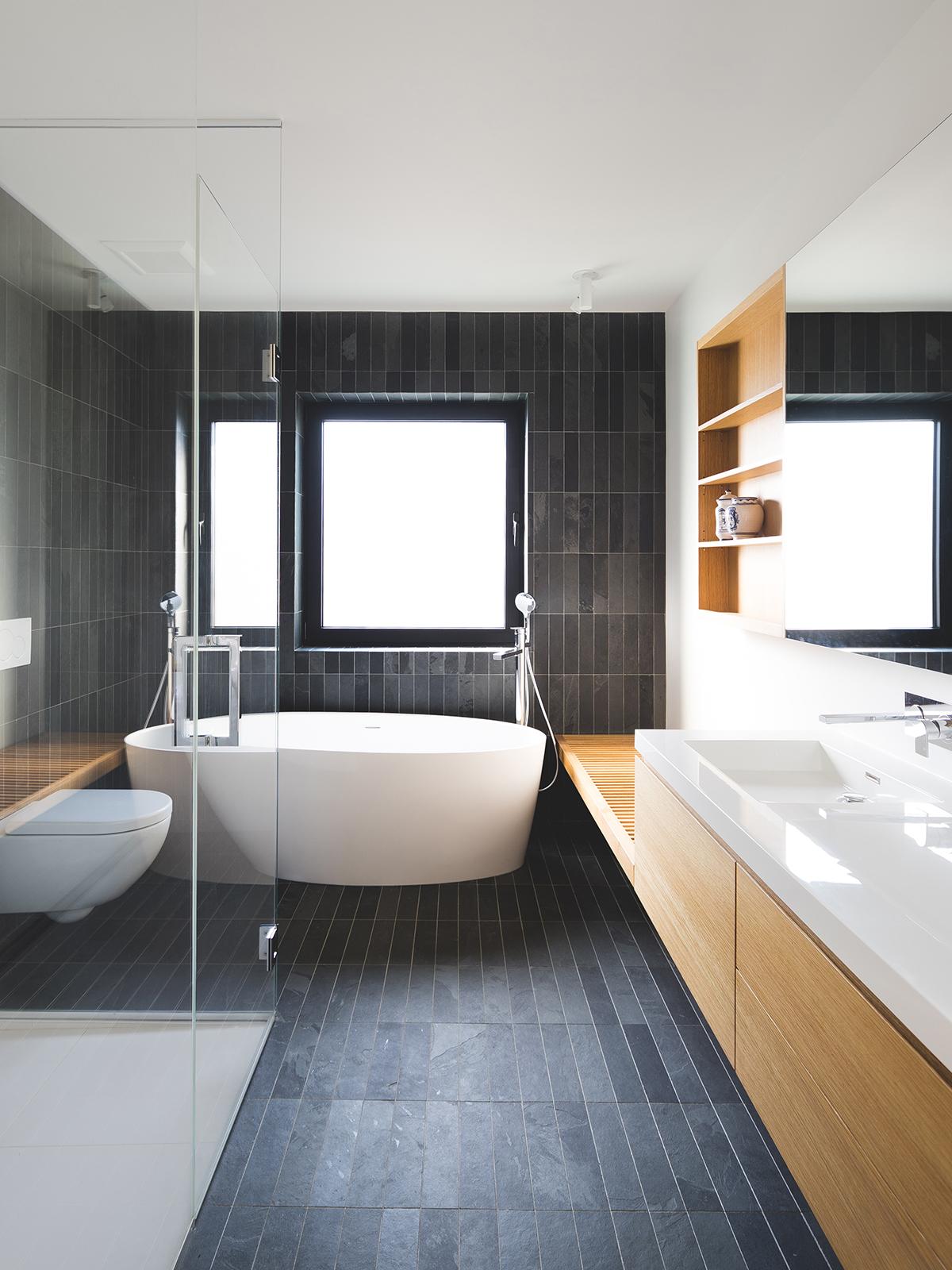 Vonios kambarys įrengtas antrame aukšte