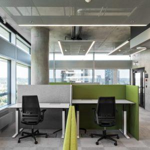Išmanus reguliuojamo aukščio stalas: ir asmeninis treneris, ir darbų planuotojas