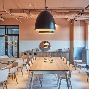 """Naujas """"Metasite"""" biuras: namų jaukumo ir darbo poreikių sintezė"""